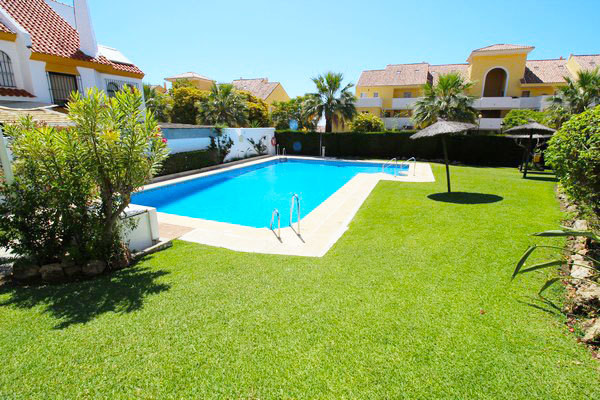Townhouse Semi Detached in Estepona, Costa del Sol
