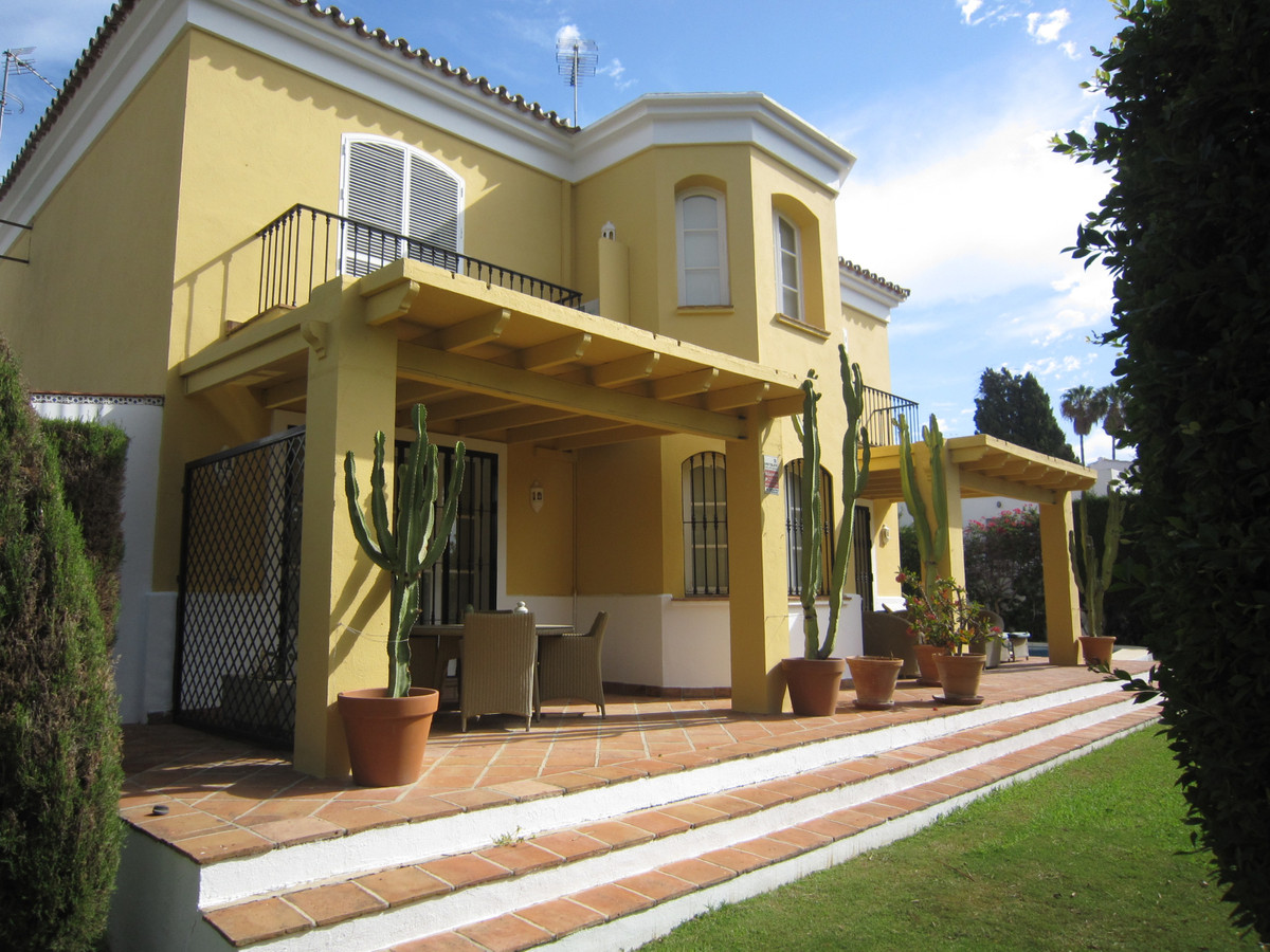 A lovely detached villa in Guadalmina Alta, with 3 bedrooms, 2.5 bathrooms and private heated pool, ,Spain