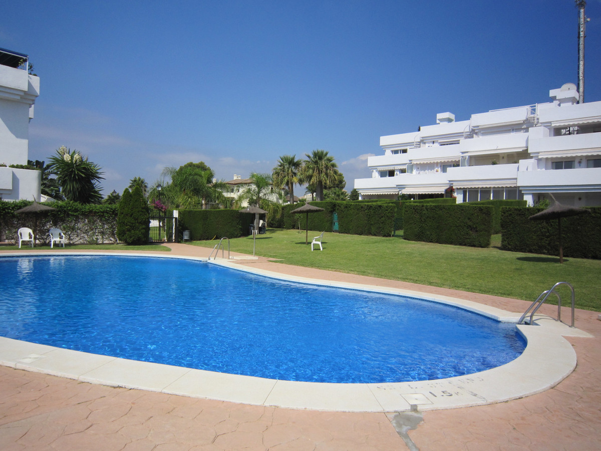 3 bedroom duplex in established resort of Sun Gardens, close to amentities, transport and just 5 min,Spain