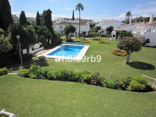 Marbella Banus Apartamento en Venta en El Paraiso – R2636447