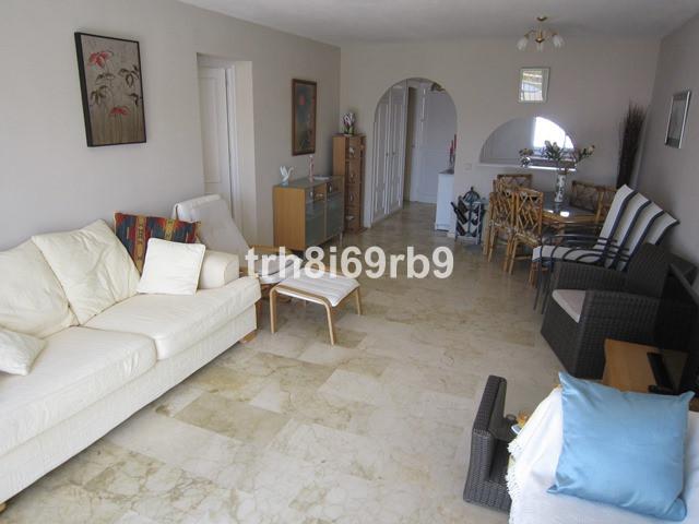 Apartamento en Venta en El Paraiso – R2636447