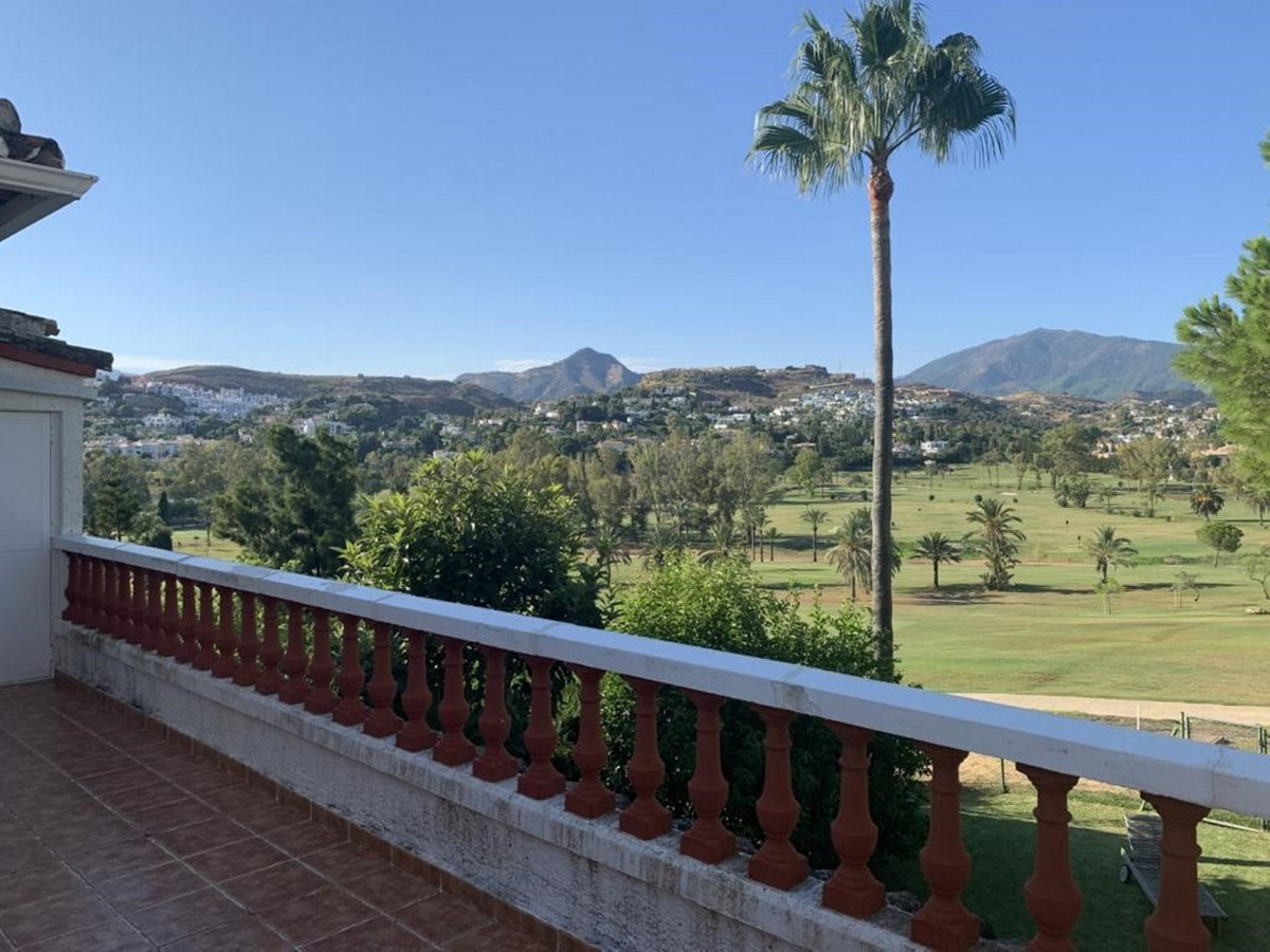 4 bedroom frontline golf villa for sale on the prestigious 18 hole championship golf course at El Pa, Spain