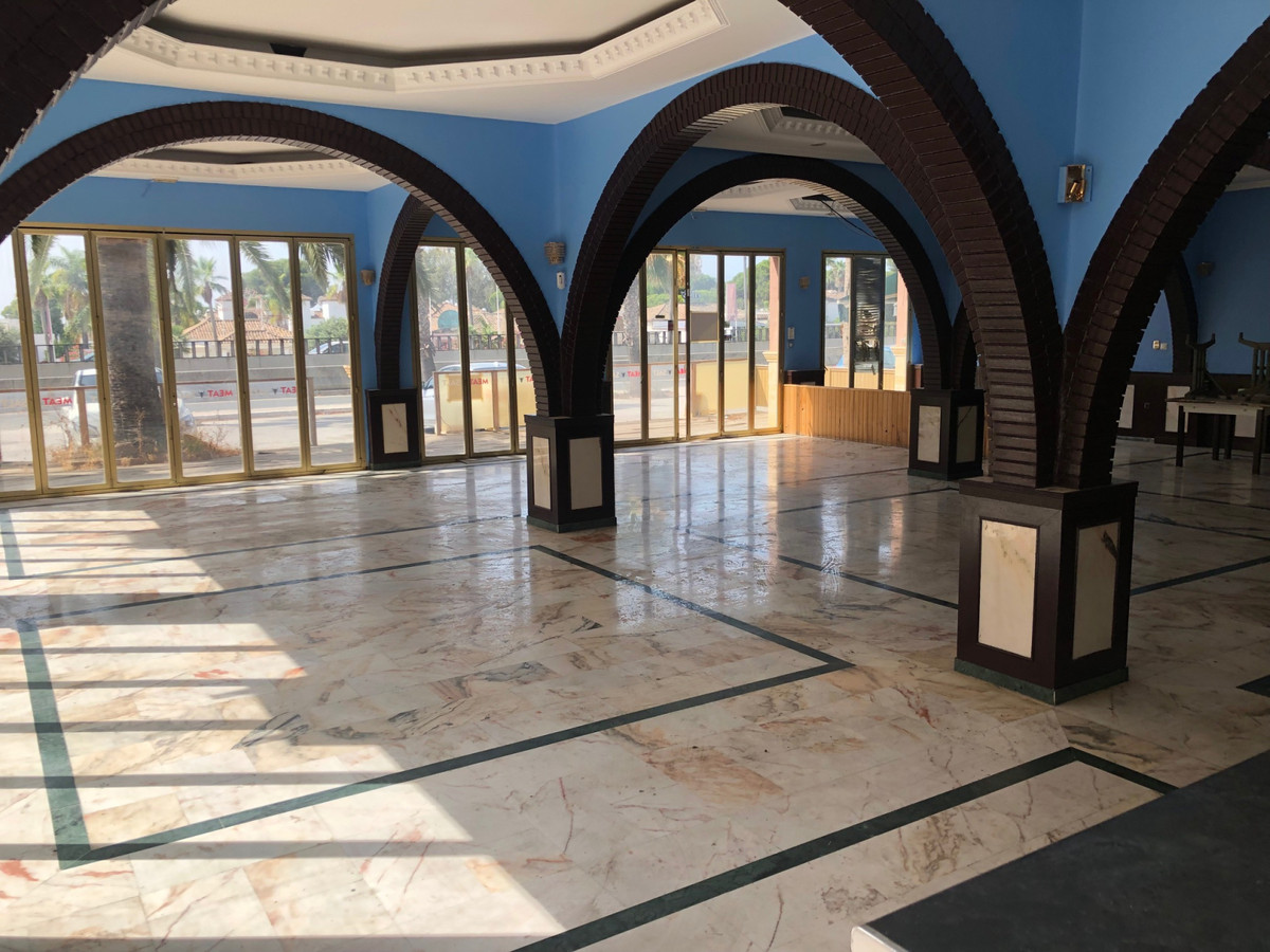 Commercial  Other for rent  in Estepona