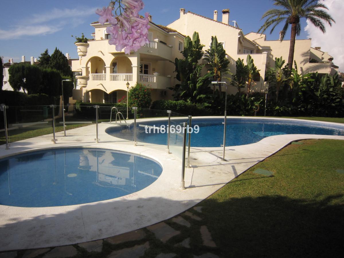 Marbella Banus Apartamento en Venta en El Paraiso – R3535771