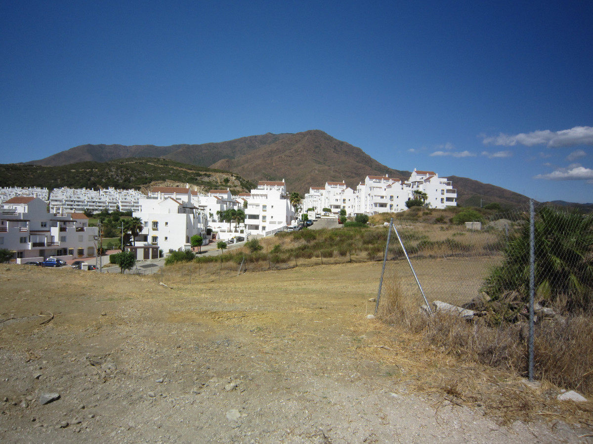 There are three lots to be sold, preferably to one purchaser as follows:  Total Plot: 1930m2  equall, Spain