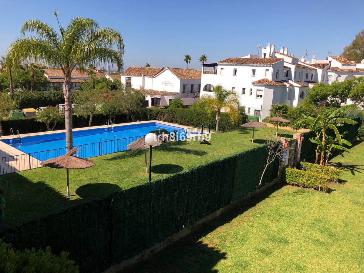 Marbella Banus Apartamento en Venta en Atalaya – R3439729