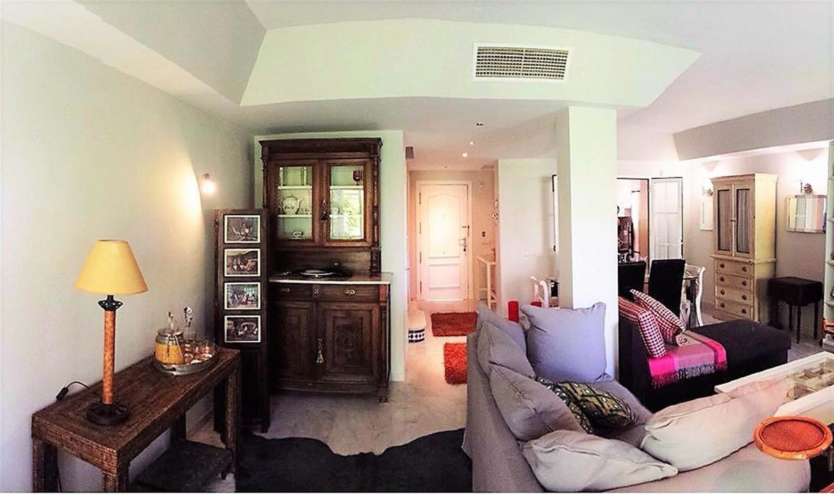 Unifamiliar con 3 Dormitorios en Venta New Golden Mile