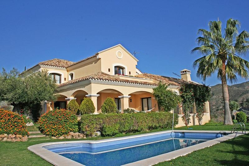 Marbella Banus Villa – Chalet en venta en La Quinta – R2759036