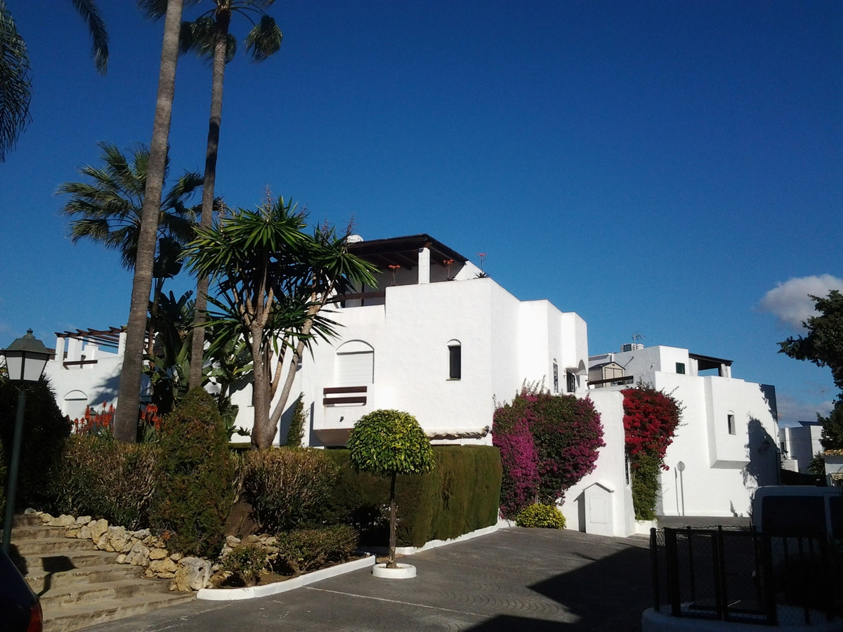 TOWNHOUSE 50M FROM THE BEACH  Townhouse at 50m from the beaches of San Pedro in a gated community wi,Spain