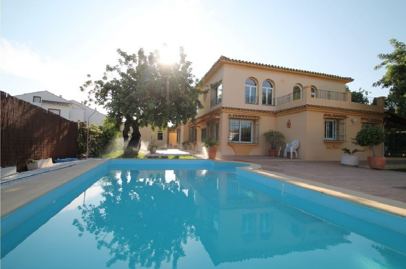 Marbella Banus Villa – Chalet, Marbella – R3073648