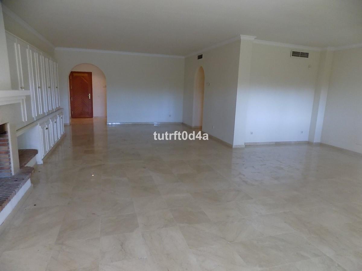 Apartamento con 6 Dormitorios en Venta New Golden Mile