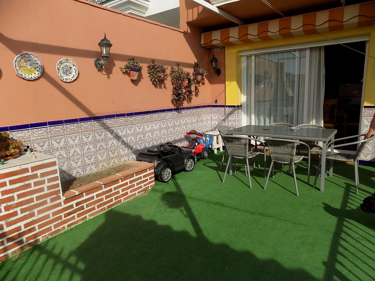 TOWNHOUSE WITH SEA VIEWS FROM SOLARIUM  Immaculate 4 BEDROOM TOWNHOUSE laid out over 3 floors with a, Spain