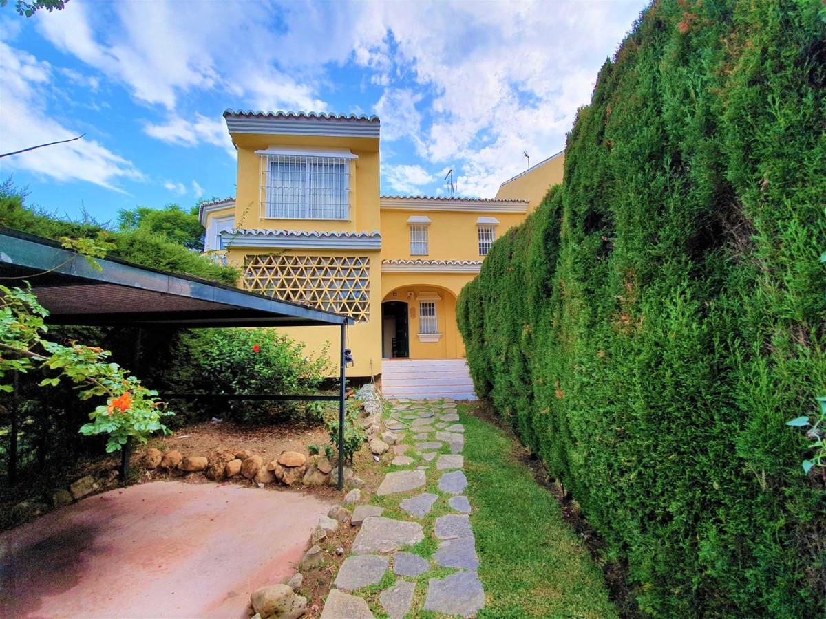 Marbella Banus Adosada en Venta en Calahonda – R3506194