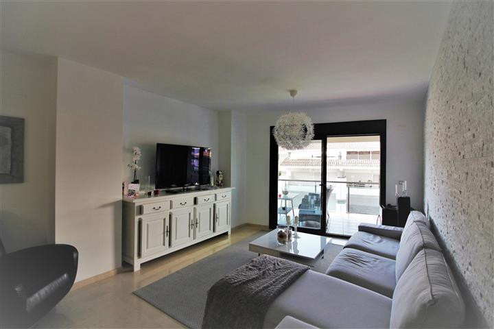 Splendid apartment completely renovated with modern style, spacious and bright, located in one of th, Spain