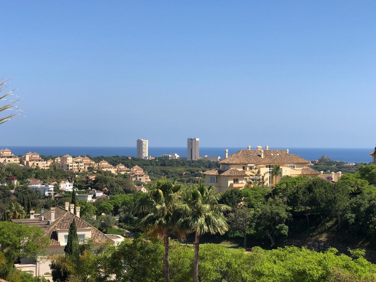 Marbella Banus Apartamento Planta Media en Venta en Elviria – R3650027