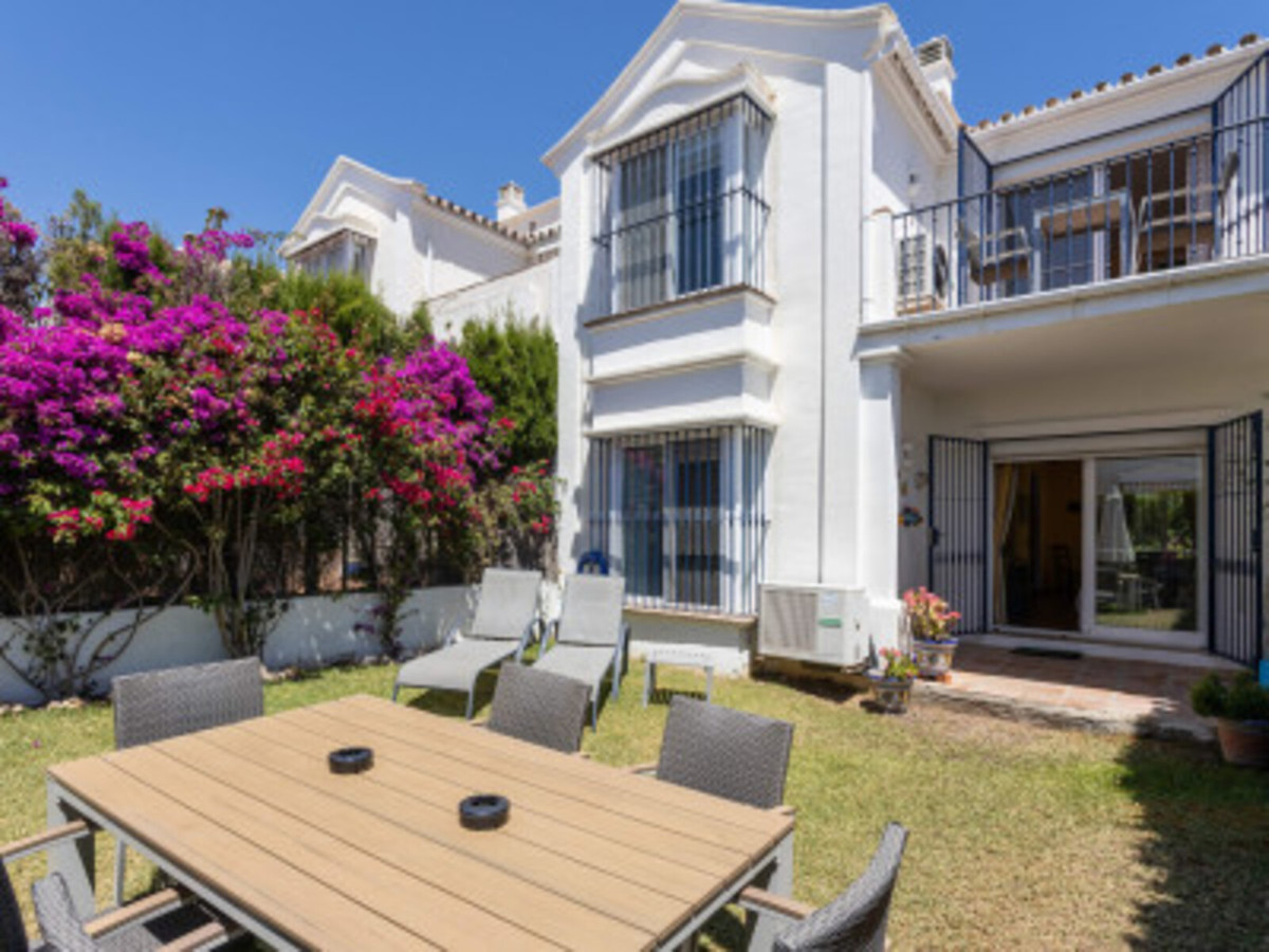 3 bedroom townhouse for sale puerto banus
