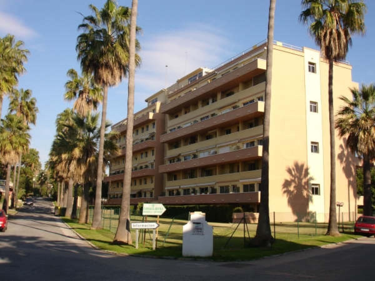 Marbella Banus Apartamento en Venta en Elviria – R3648056