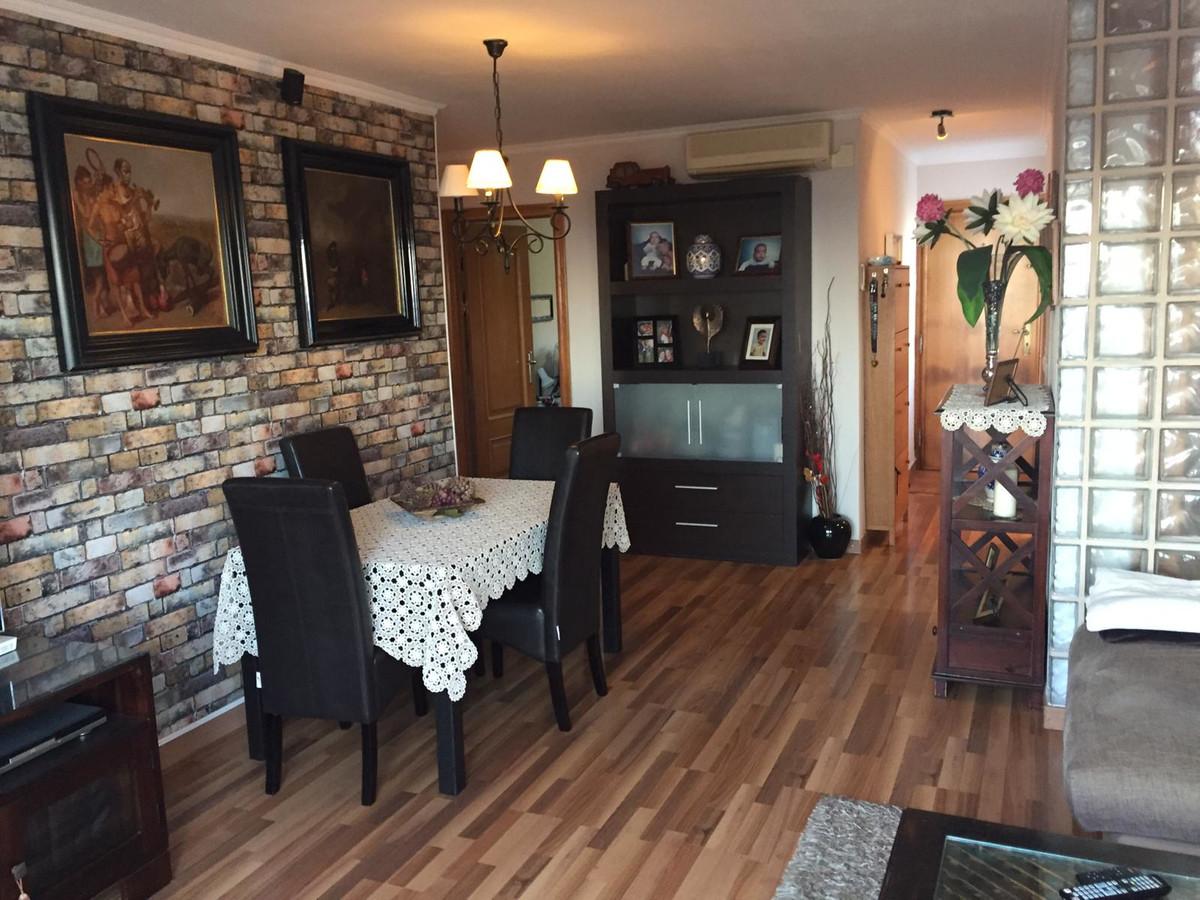 Apartamento en Venta en Calahonda – R3682208