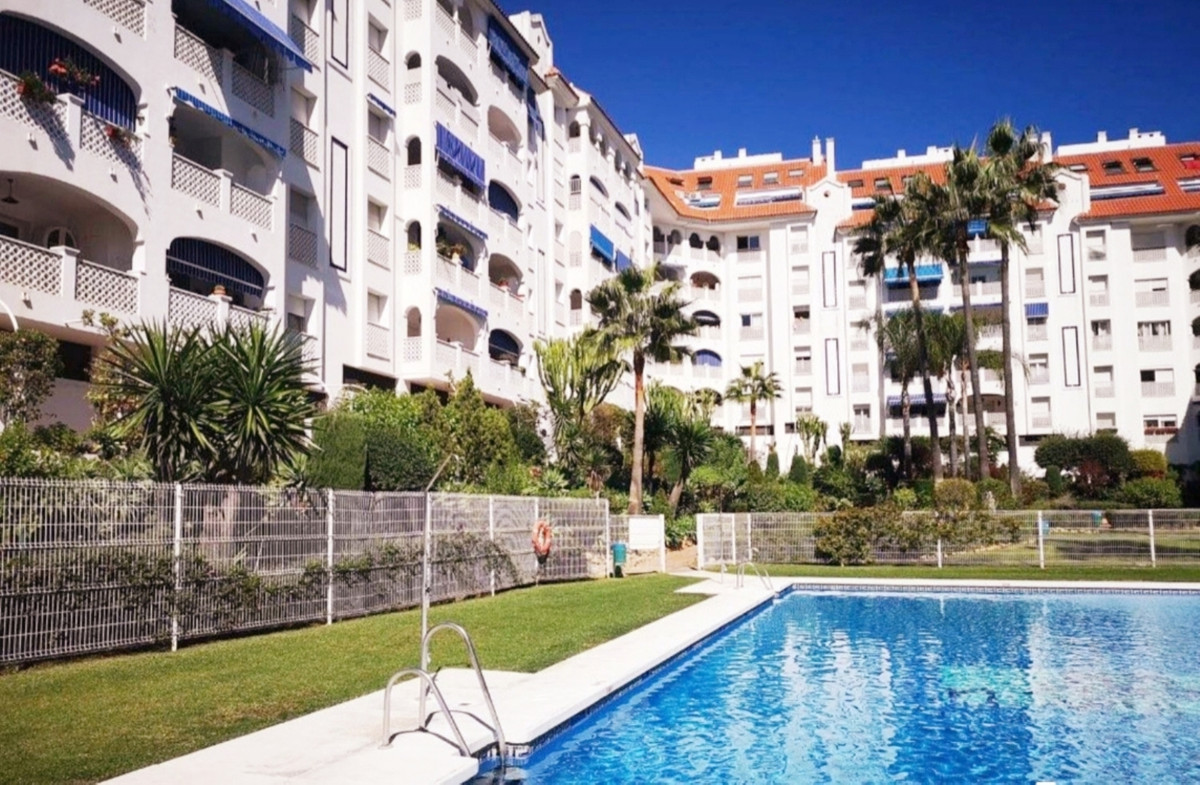 SMOOTH SAILING.  This spacious apartment is located on the ground floor with a facade at the height , Spain
