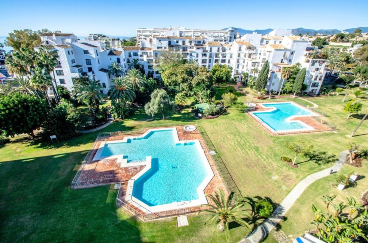Easy summer living. There's an emphasis on quality, distinctive design and the PERFECT LOCATION,Spain