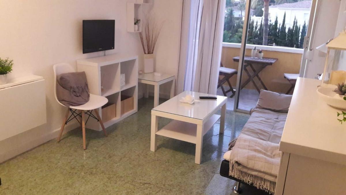 Marbella Banus Apartamento en Venta en Cabopino – R3648077