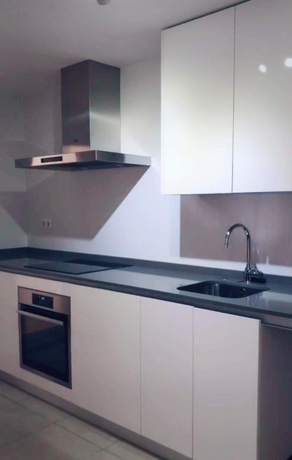 Apartamento Planta Media en Venta en Nueva Andalucía – R3645875
