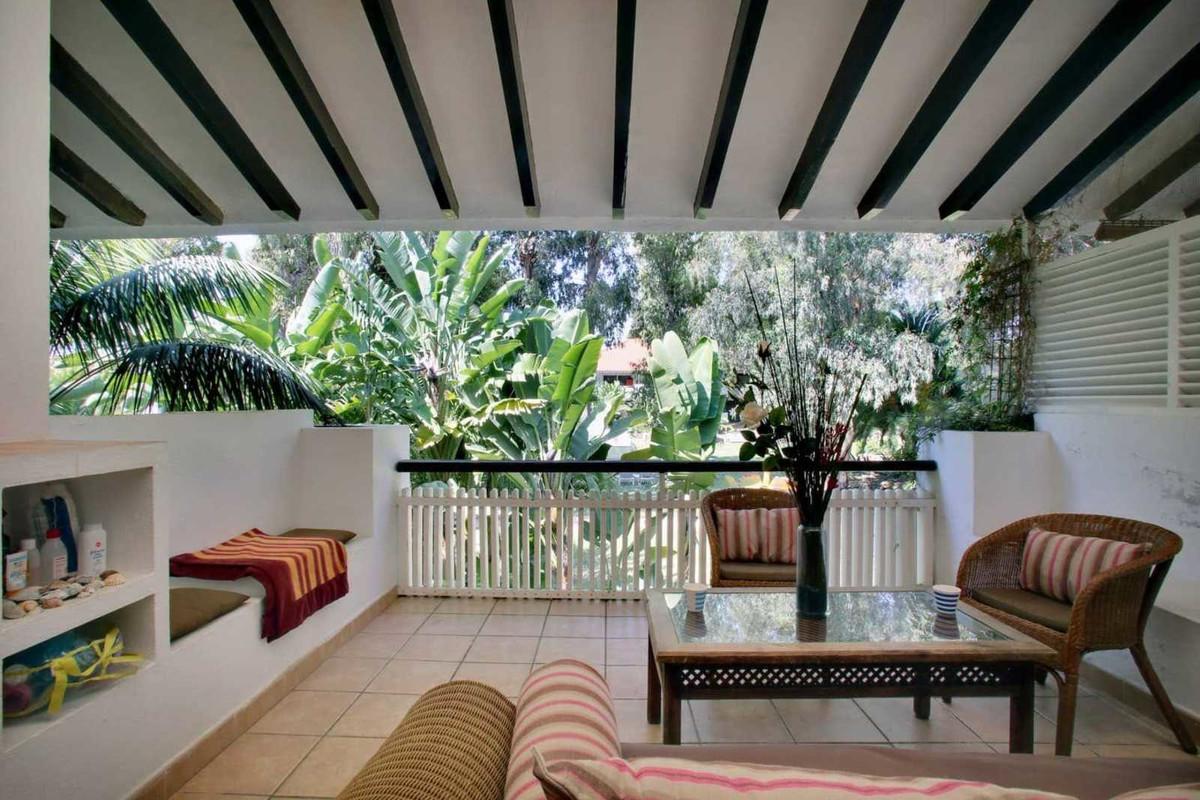 Marbella Banus Apartamento Planta Media en Venta en Puerto Banús – R3652898