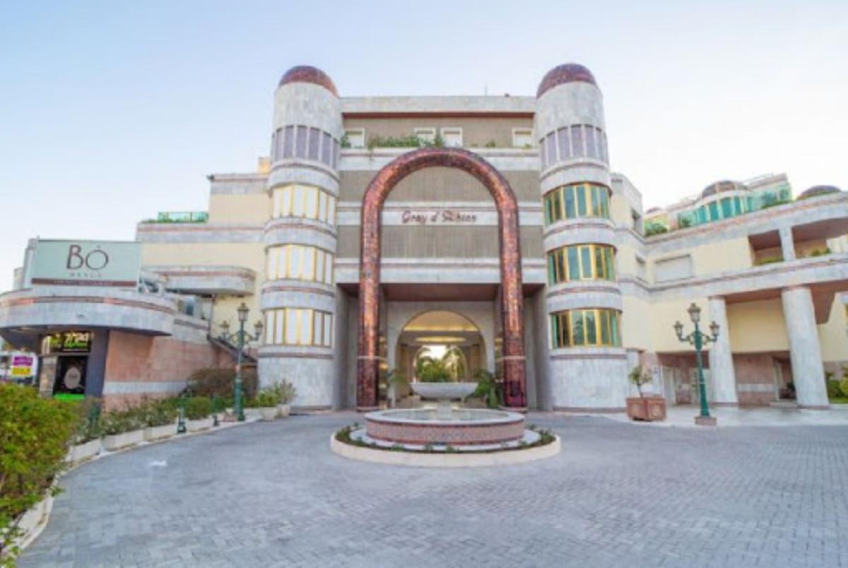 Marbella Banus Apartamento en Venta en Puerto Banús – R3771418