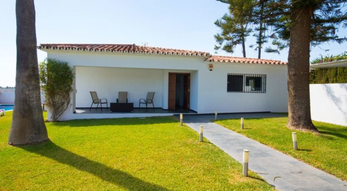 BRING THE DREAM TO LIFE. This fantastic independent villa located in San Pedro de Alcantara, will be, Spain