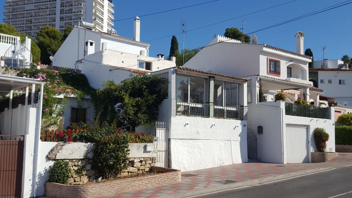 Maison Jumelée, Mitoyenne  en vente    à Nueva Andalucía