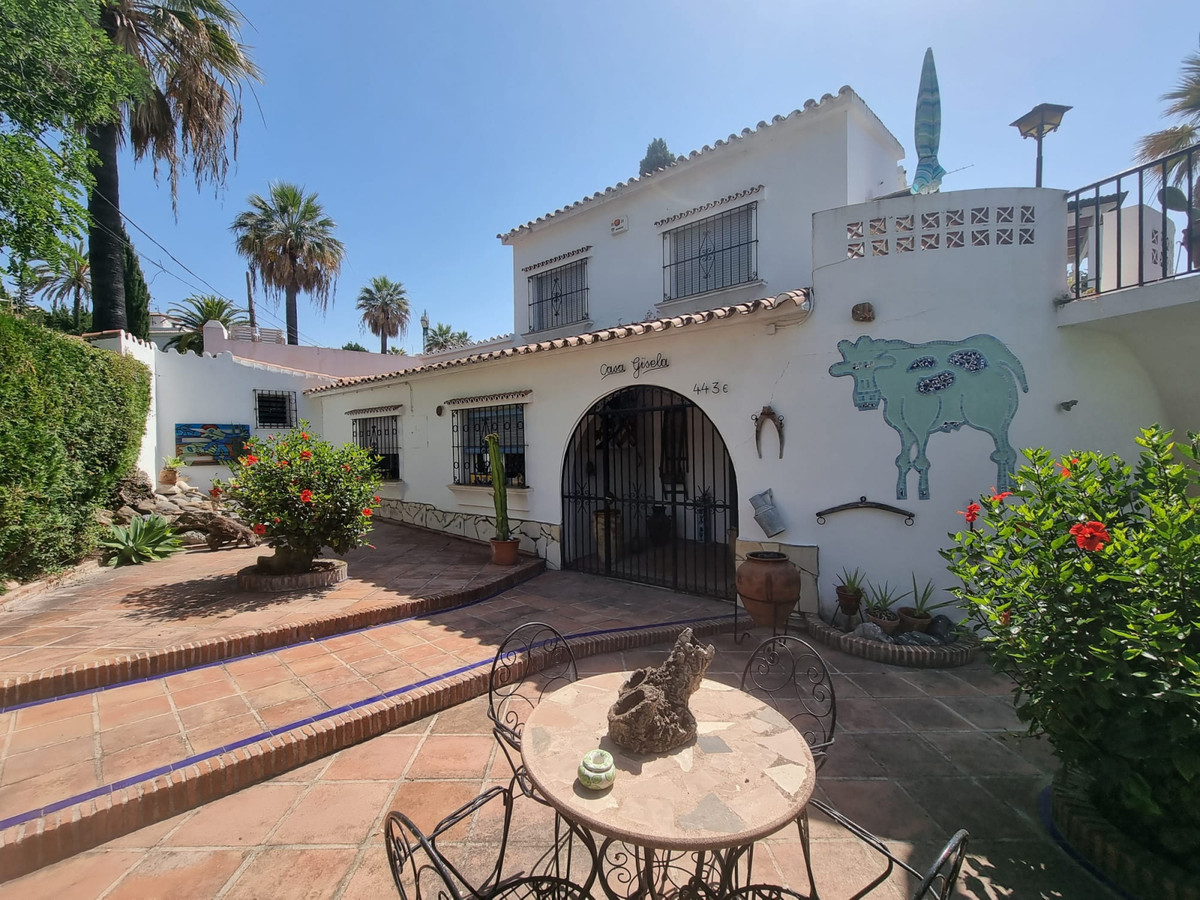NEW ON THE MARKET!!! Calling out all INVESTORS AND RENOVATORS! Unique opportunity to renovate a Clas,Spain