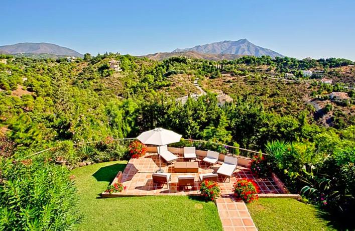 5 Bedroom Villa For Sale, El Madroñal