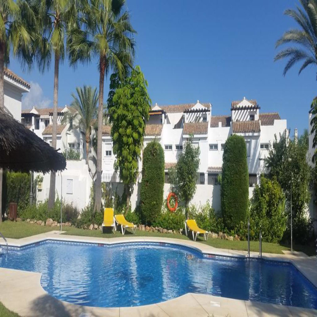 Marbella Banus Adosado en Venta en Marbella – R3676220