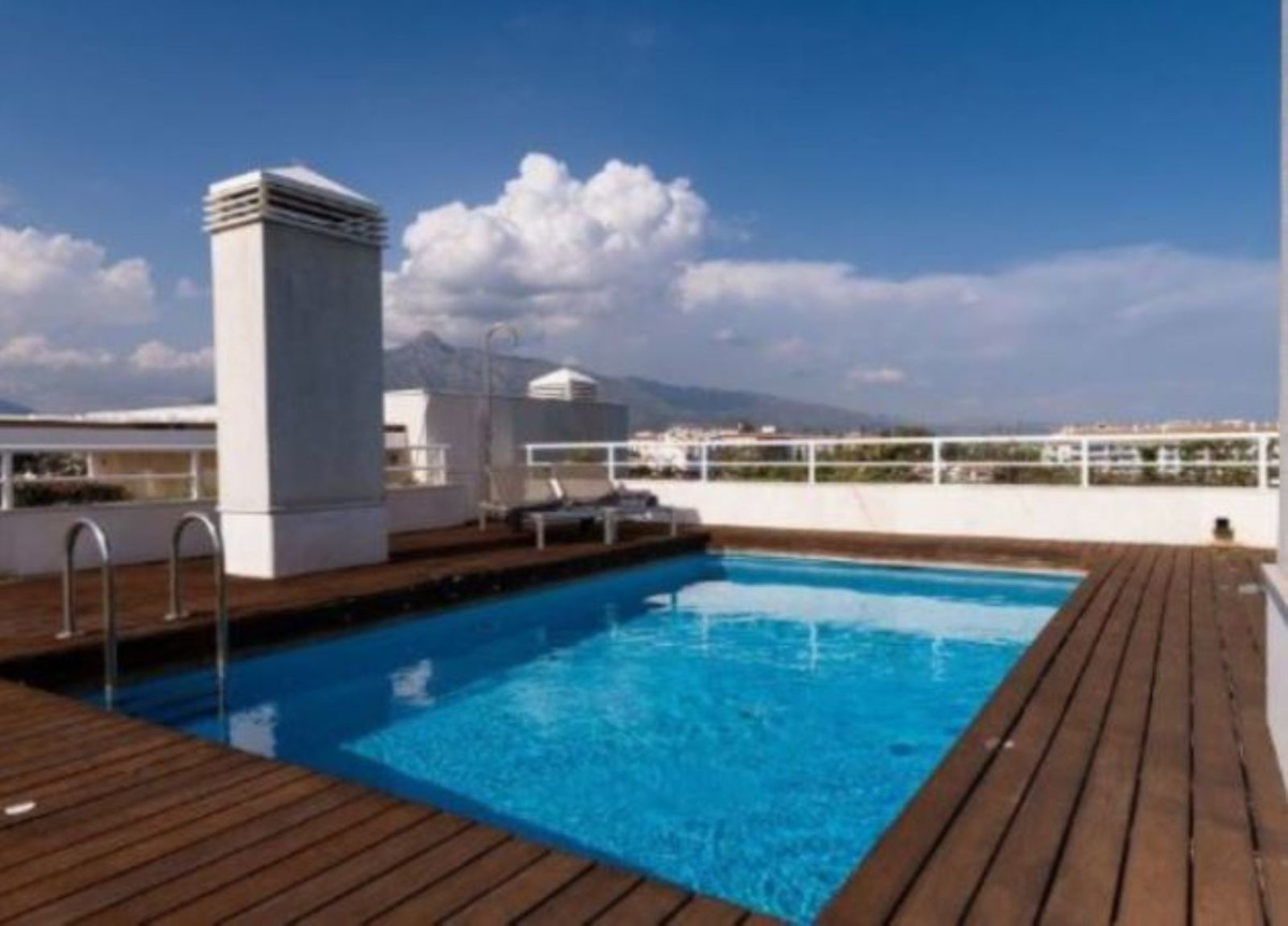 Marbella Banus Ático en Venta en Puerto Banús – R3706289