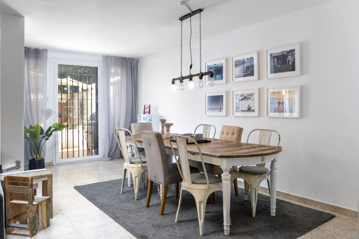 R3745819 | Townhouse in Marbella – € 1,195,000 – 4 beds, 3 baths