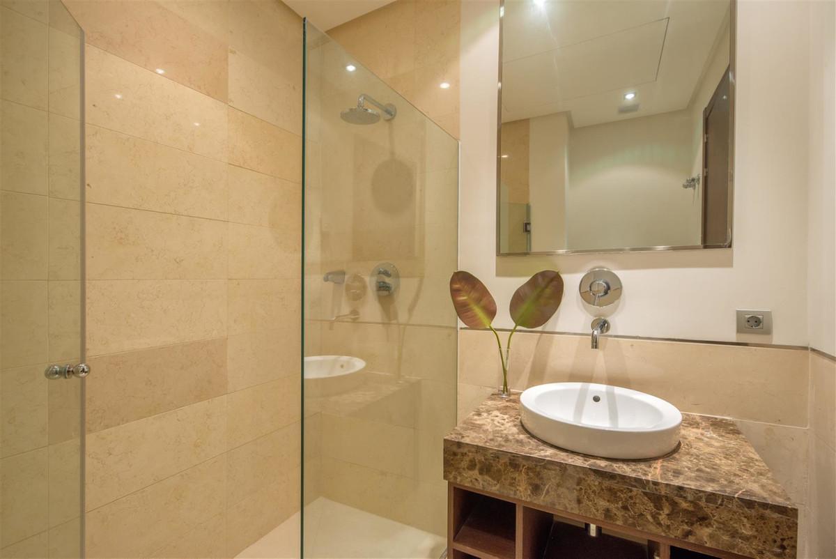 Marbella Banus Apartamento Planta Media en Venta en Benahavís – R3643571