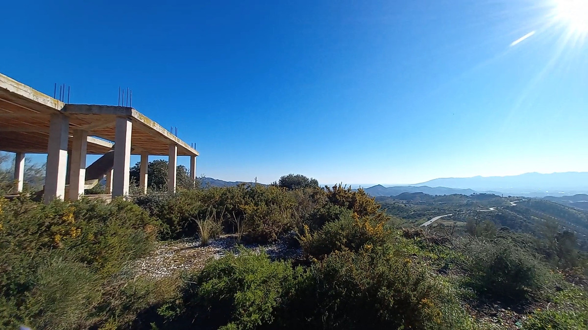 This fantastic land of more than 55000 square meters is located on one of the highest hill of the ar,Spain