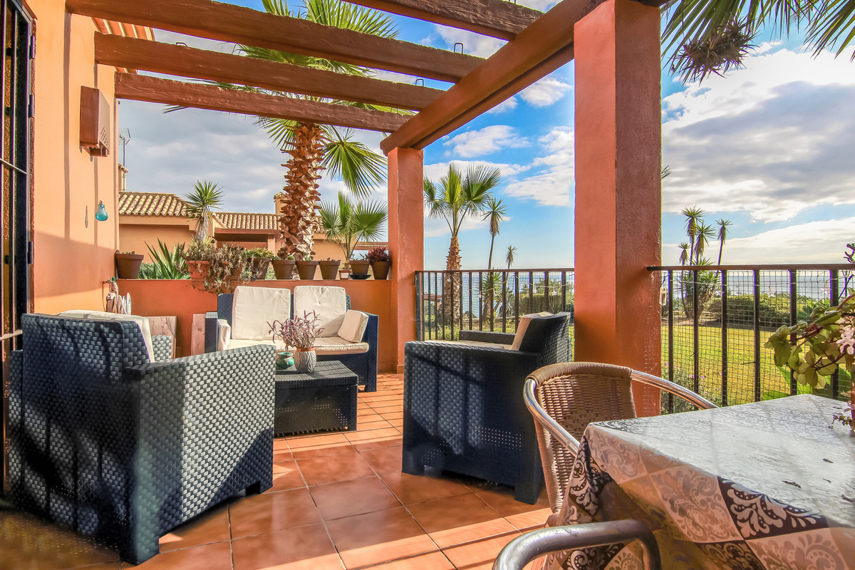 Fantastic apartment completely renovated in 2017, located in second line of sea in a secure and well,Spain
