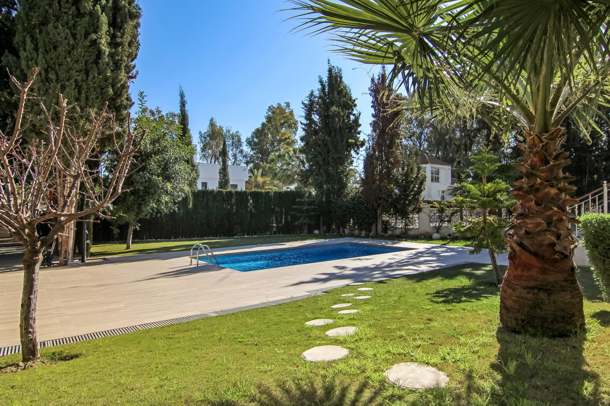 Villa – Chalet en Venta en Nueva Andalucía – R3376570