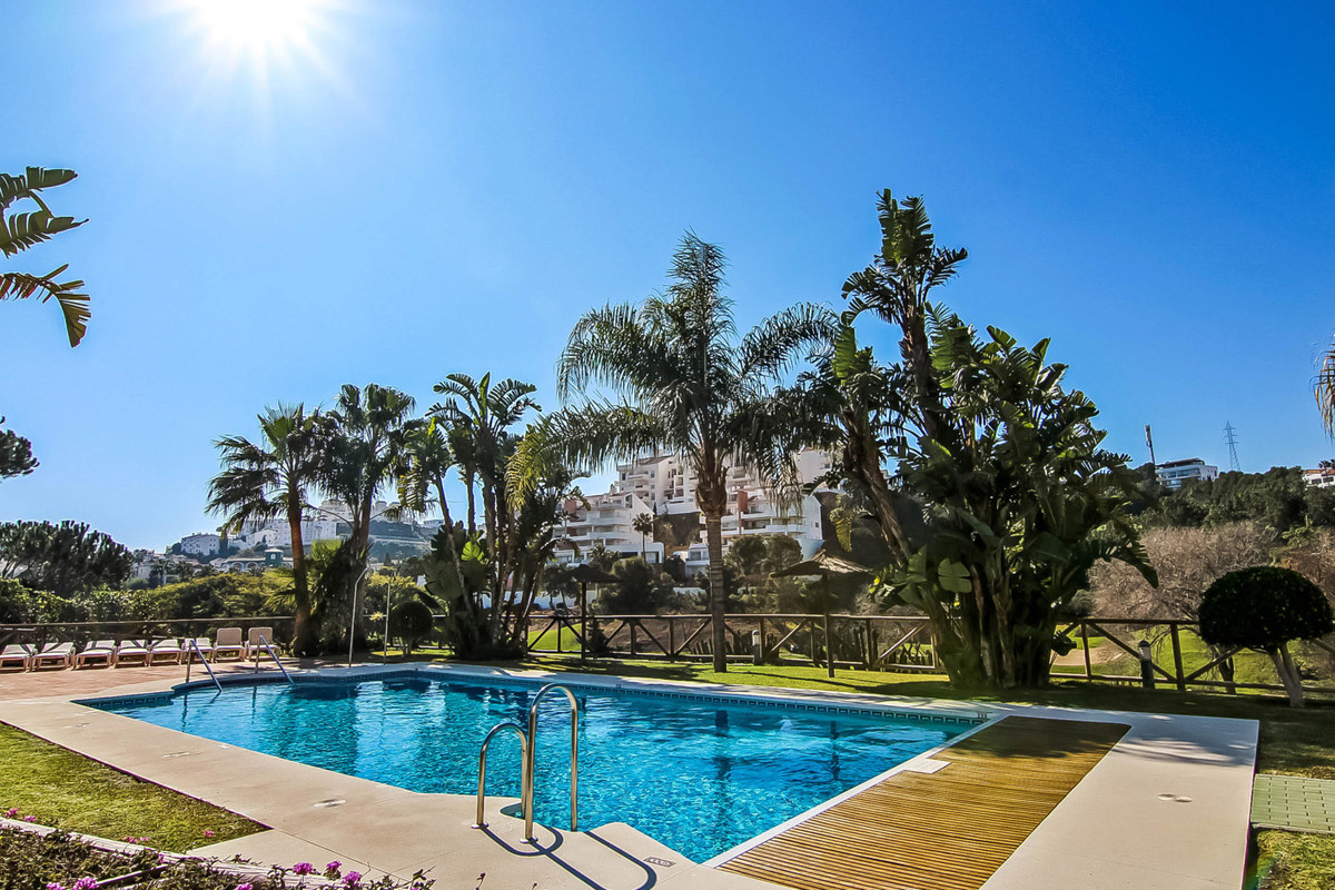 Fantastic frontline golf townhouse of 241 m2 in an exclusive and well-maintained urbanization with p,Spain