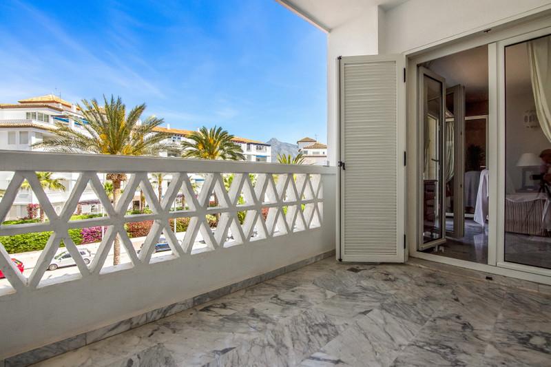 Marbella Banus Apartamento Planta Media en venta, Puerto Banús – R3423535