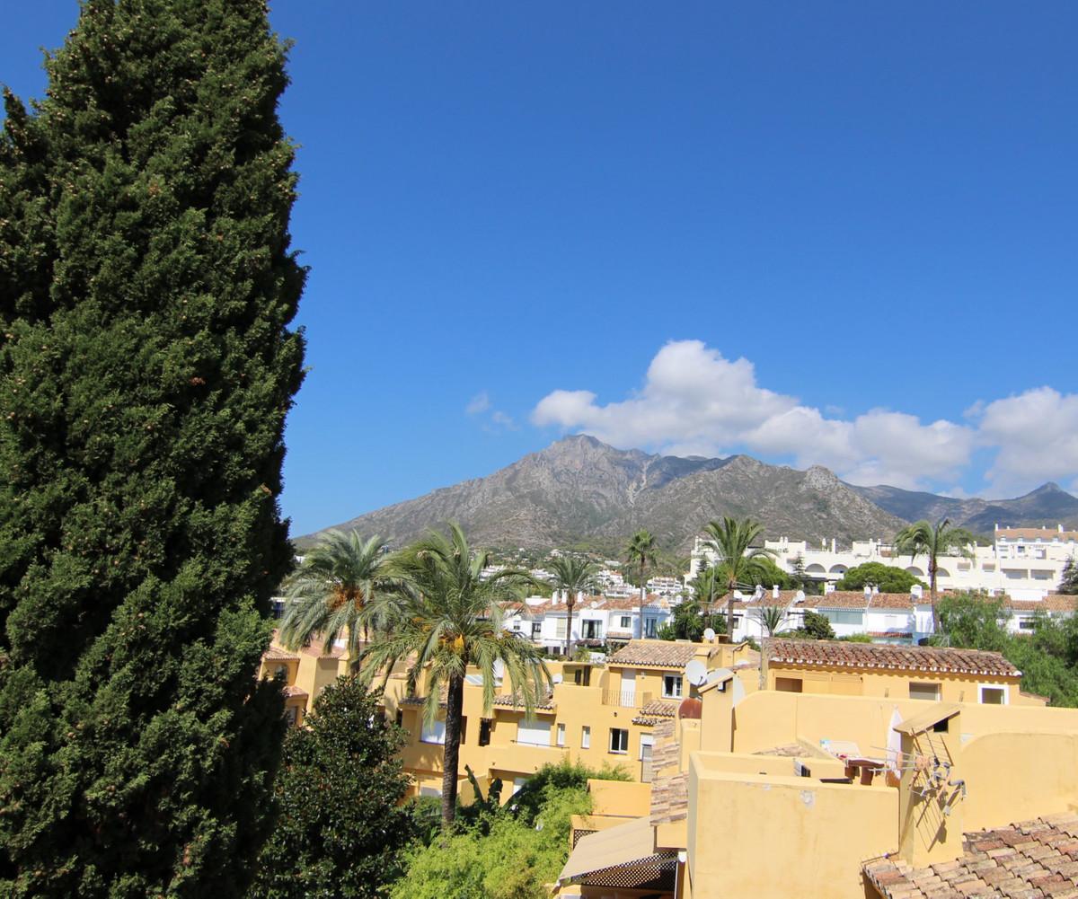 Marbella Banus Adosada en venta en Marbella – R3305950