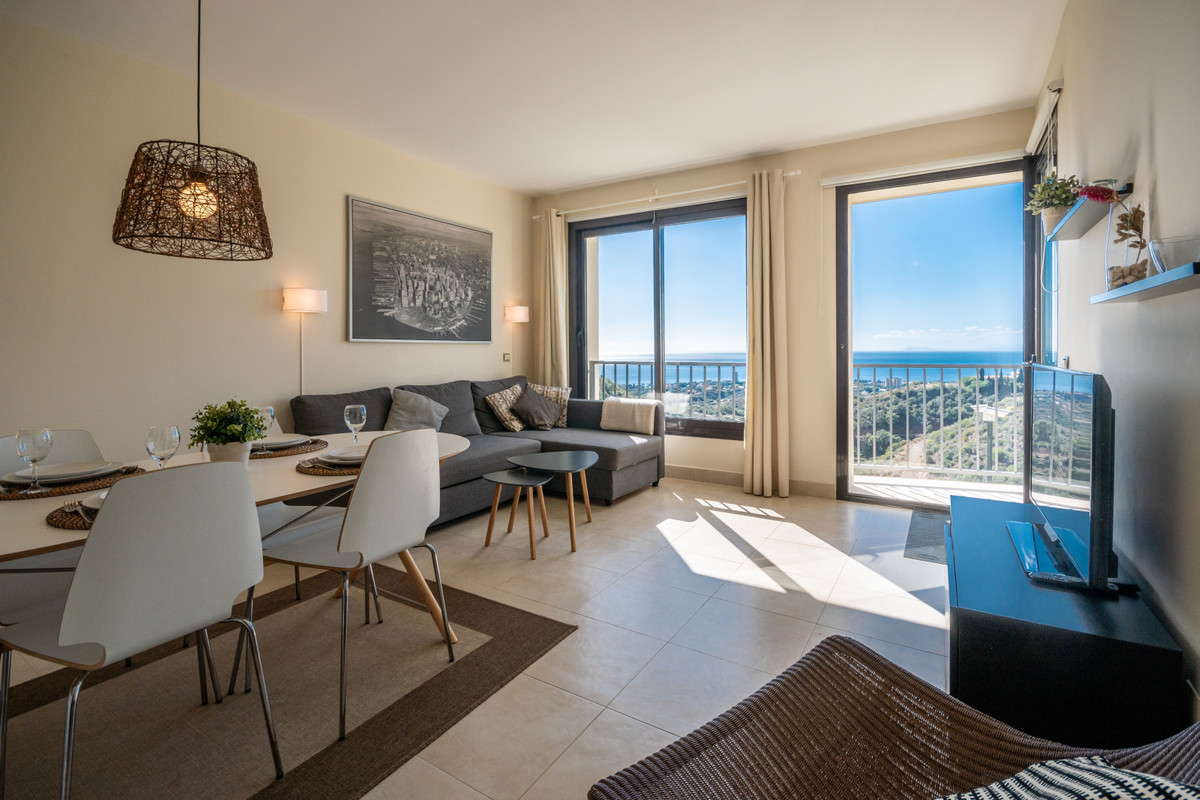 Middle Floor Apartment · Altos de los Monteros