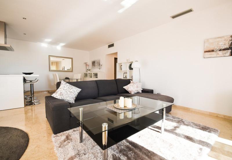 Apartment - Istán
