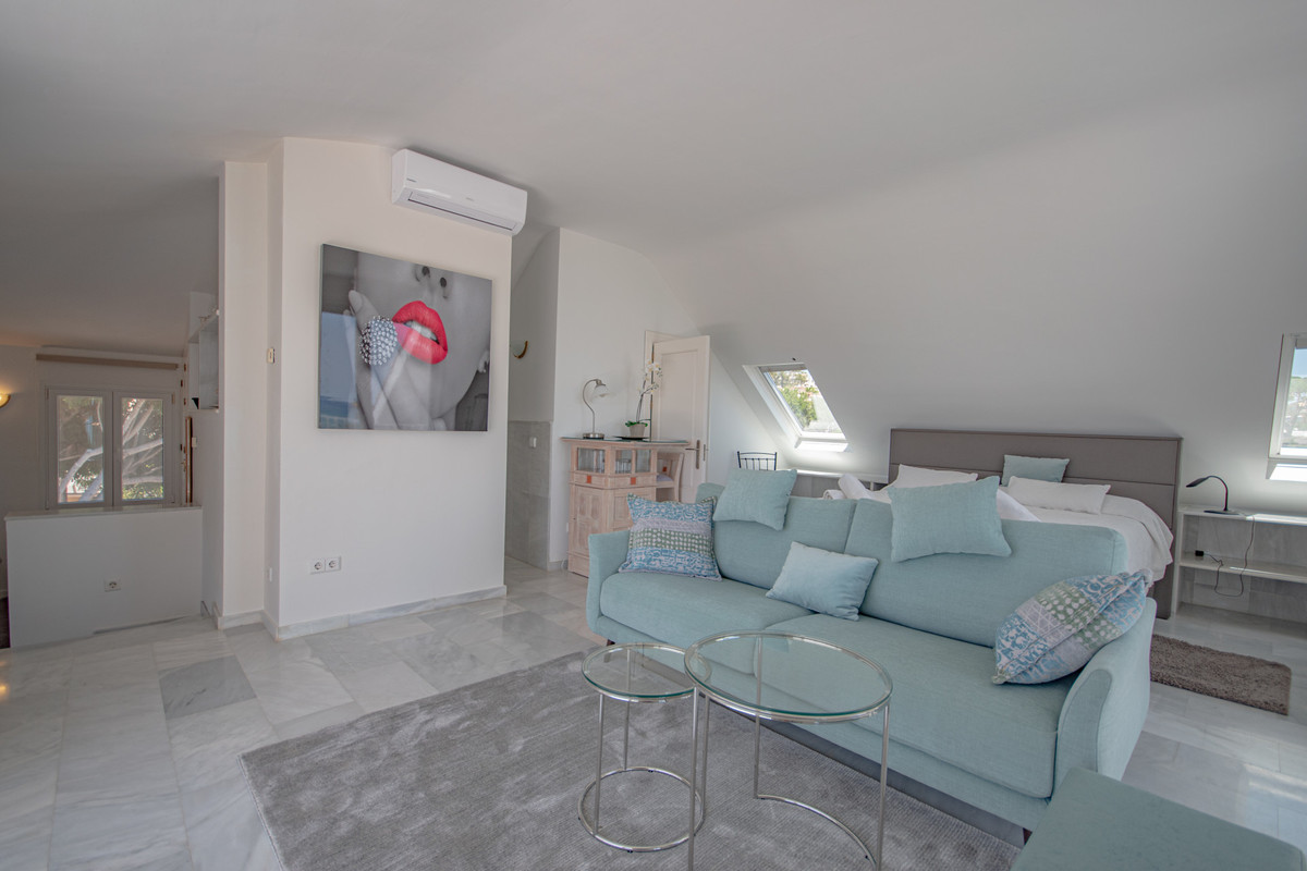Studio Middle Floor in Costabella, Costa del Sol