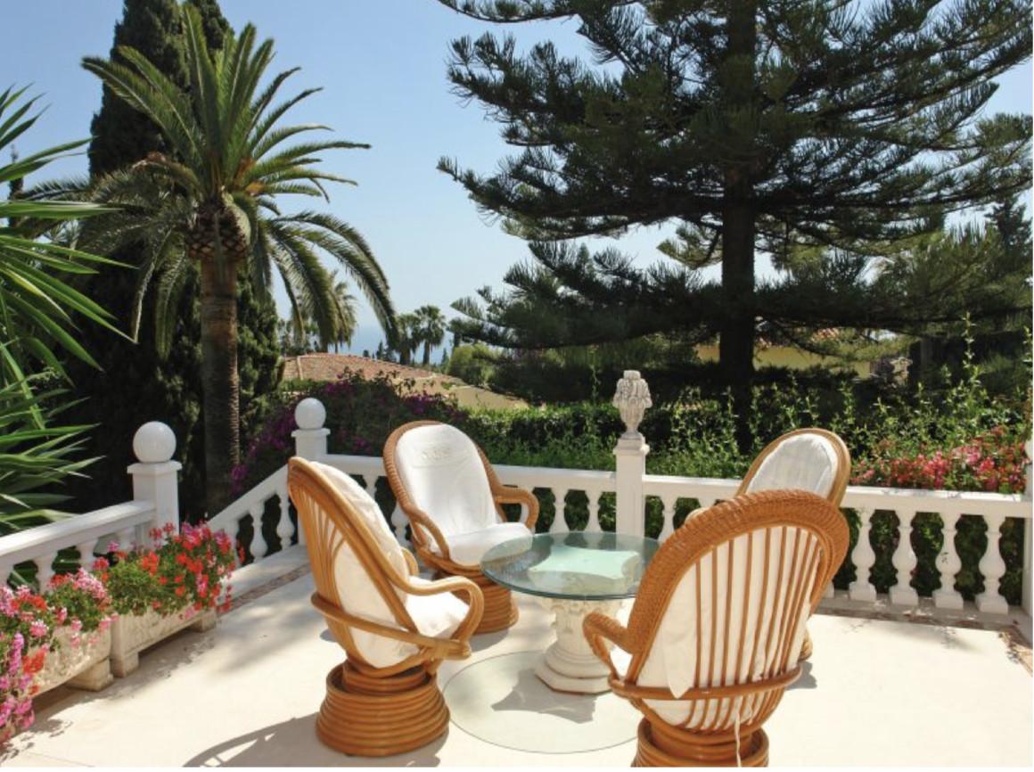 Marbella Banus Adosada en Venta en Nagüeles – R3612353