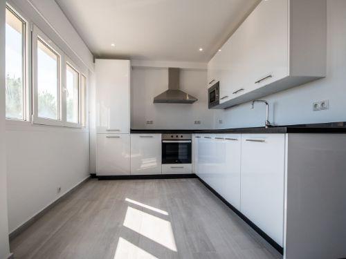 Apartamento Planta Media en Venta en Costabella – R3534880