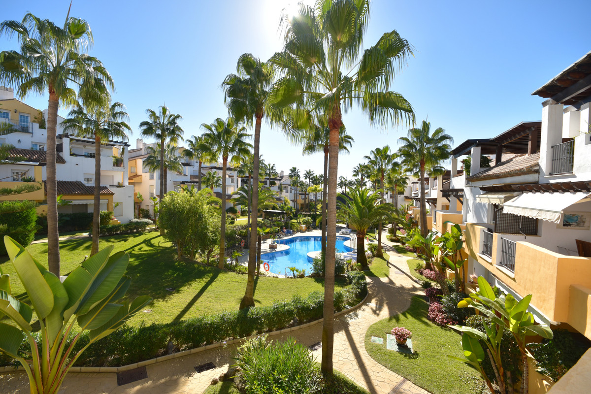 Opportunity to live in a complex of 1. beach line! 3 bedrooms 2 bathrooms very spacious! This wonder,Spain