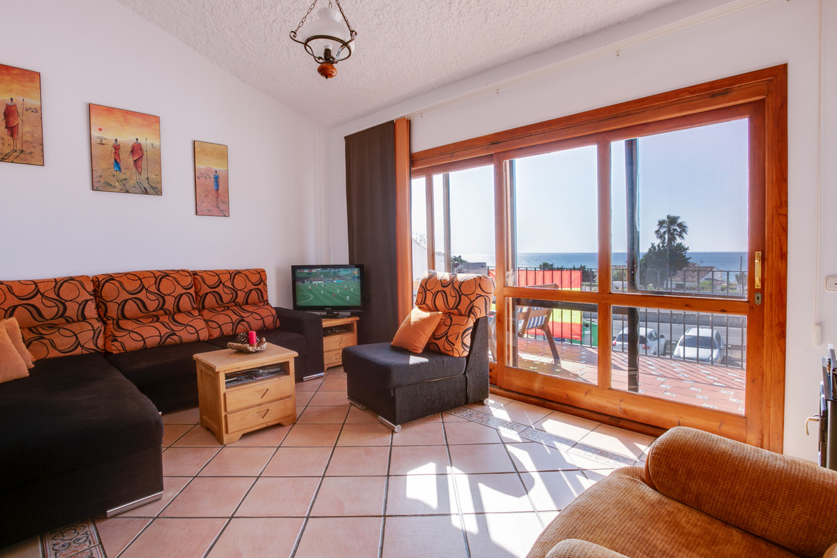 A reformed 3 bedroom apartment with panoramic sea views. The main floor consists of large entrance h,Spain