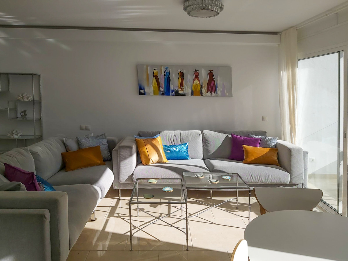 Fantastic renovated 2 bedroom apartment in the center of town of Estepona with beautiful sea views. , Spain